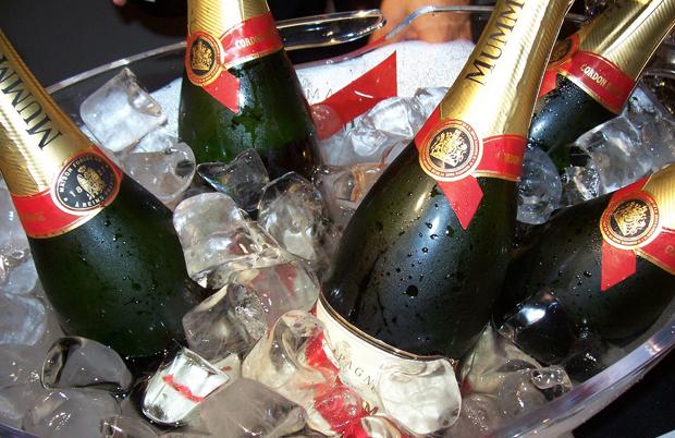 Champagne tasting in Reims in France