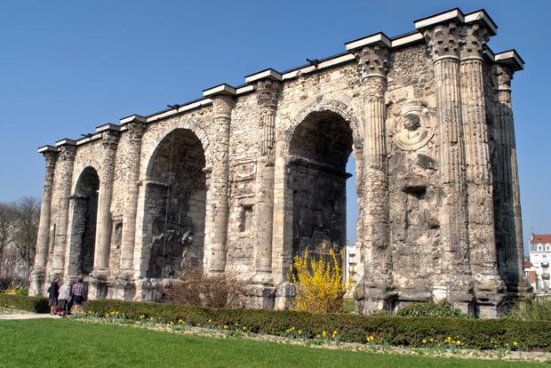The Porte de Mars Roman gate in Reims, Champagne