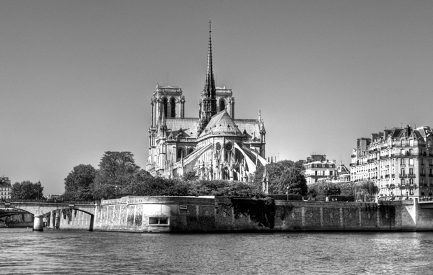 Notre Dame cathedral from the Batobus on the Seine