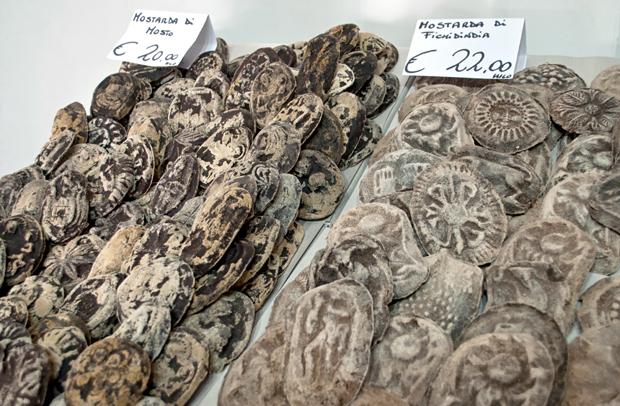 Mostarda in Catania spice stall