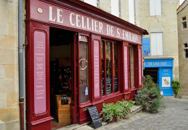 Wine shop in St Emilion in Bordeaux, France